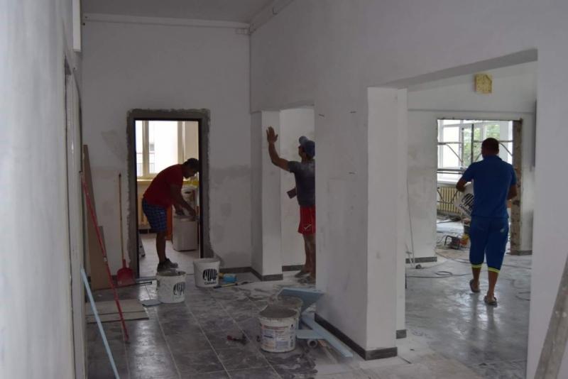 Lucrări accelerate la şcolile din Mioveni
