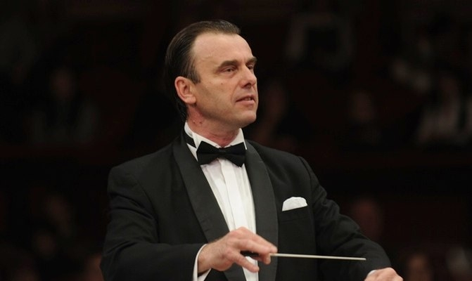 Pagini simfonice de mare popularitate, în Piaţa Primăriei Piteşti