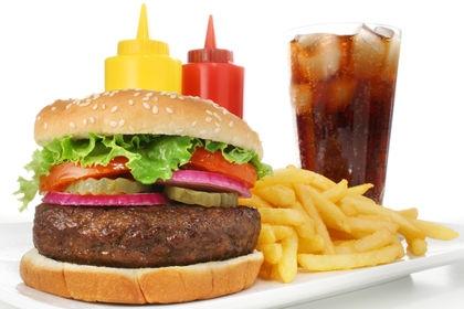 Controale la fast-food-uri din Argeş