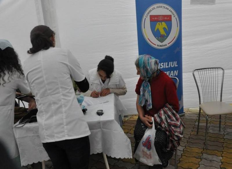 Actiune de testare gratuita a glicemiei si tensiunii arteriale, in Piata Milea