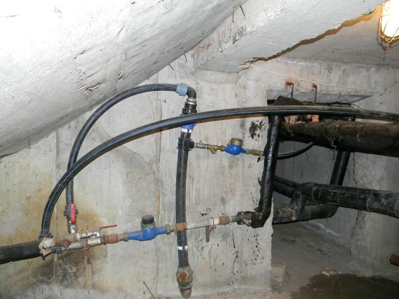 Asigurarea protecţiei, integrităţii fizice şi stării de curăţenie a căminului de branşament, a contorului de apă şi a vanelor ce echipează branşamentul