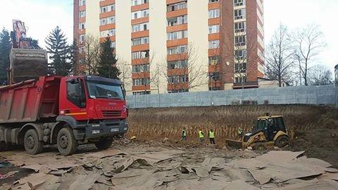 Cătălin Rădulescu face blocuri în Craiovei