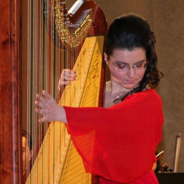 Concert de harpă la Filarmonica Piteşti