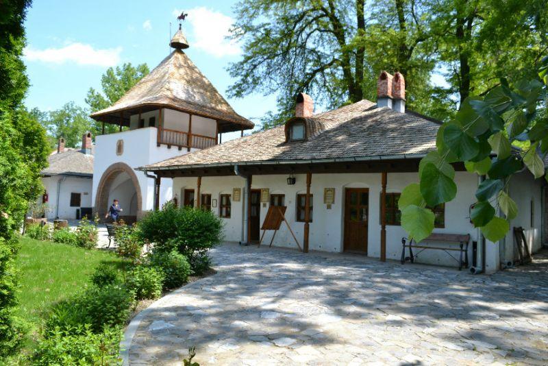 Mitologie românească, la Goleşti
