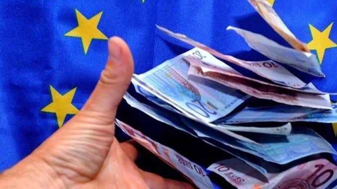Criza politică blochează proiectele din Argeş