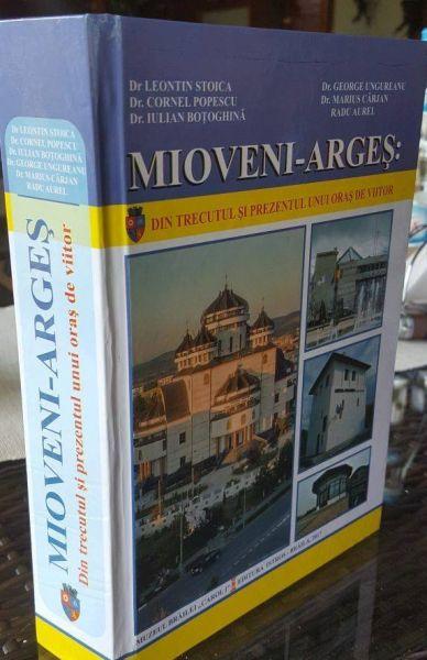 Lansare de carte la Mioveni
