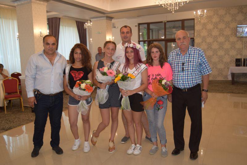 Titlul de vicecampioană națională la oină  și cel de miss oină au rămas la Mioveni