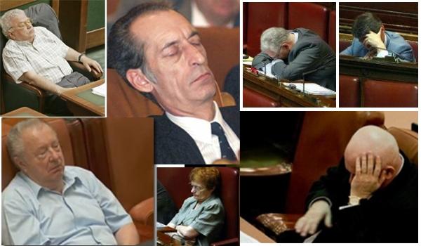 Politicienii argeşeni, somn... de voie!