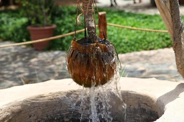 Probleme cu apa în două comune argeşene