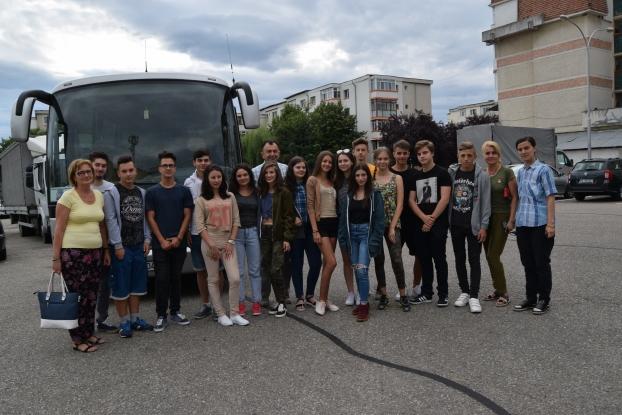 Elevi din Mioveni, în tabără în Republica Moldova