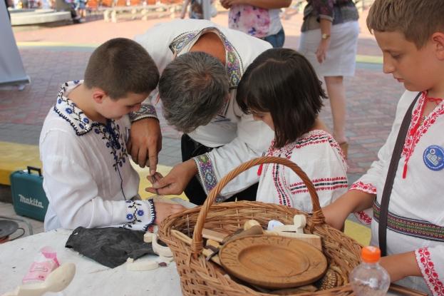 Şcoala Populară de Arte organizează o Tabără Internaţională de Meşteşuguri