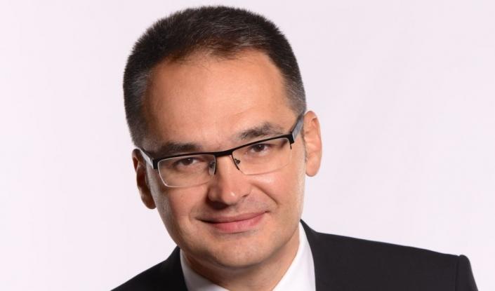 Bogdan Ivan acuză PSD că măreşte preţul benzinei pentru a acoperi creşterile salariale la bugetari