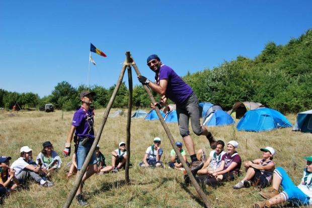 Cercetaşii din Mioveni, în tabără