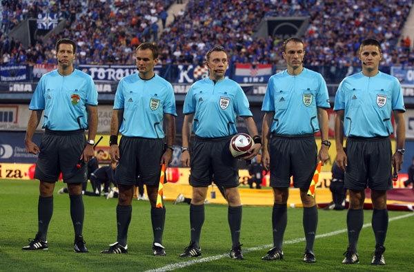 Cursuri de arbitri de fotbal la AJF Argeş