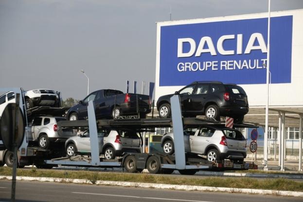 Dacia duce greul exporturilor româneşti