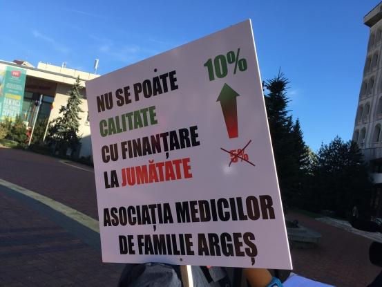 Medicii de familie au protestat în piaţa Milea