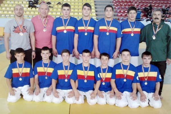 Judokani din Jandarmeria şi ISU Argeş, succese în Vâlcea