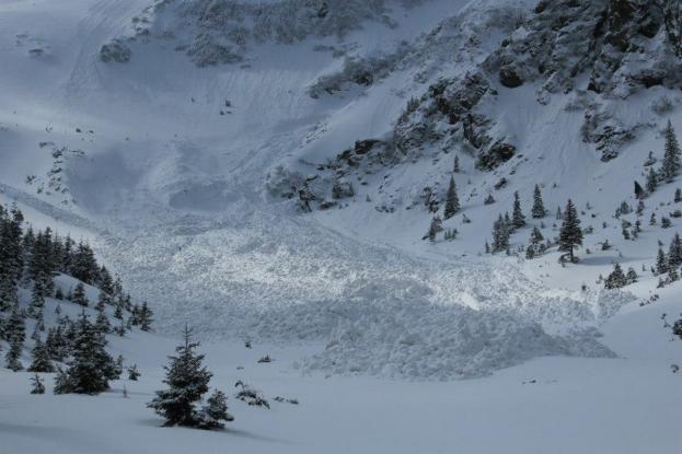 Avalanşele, un pericol în munţii Argeşului