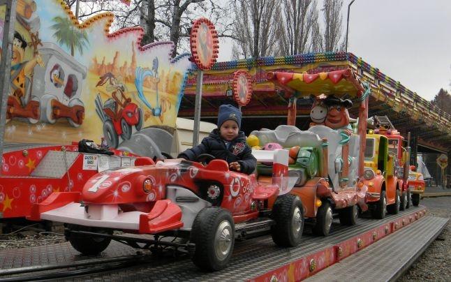 Cât timp rămân deschise Orăşelul Copiilor şi Târgul de Crăciun la Bowling