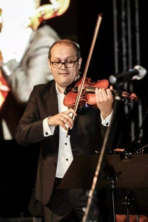 Anotimpurile lui Piazzolla  şi ale lui Vivaldi la Filarmonica Piteşti