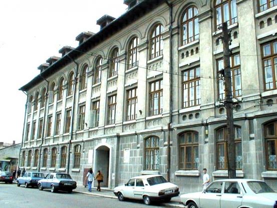 Investiţie cu cântec aproape de Şcoala Ion Pillat