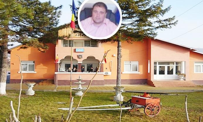 Primarul din Călineşti îşi pierde funcţia