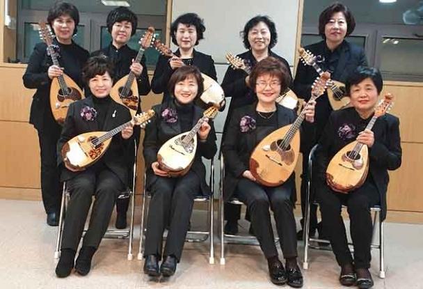 Concert de mandoline la Filarmonica Piteşti
