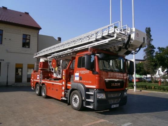 Incendiile din Australia îi alarmează pe pompierii argeşeni