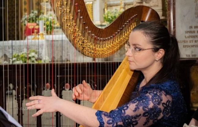Concert pentru harpă la Filarmonica Pitești. Solistă: Miruna Vidican