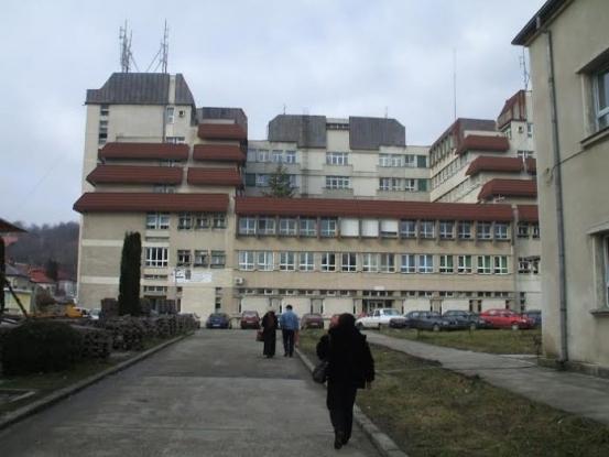 Spitalul Câmpulung va fi dotat cu aparat de testare Covid - 19