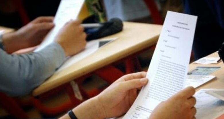 De azi elevii pot să-şi depună dosarele de înscriere la şcolile la care au fost admişi