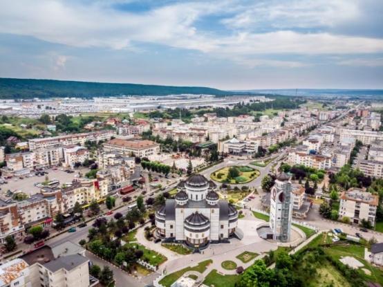 În orașul Mioveni vor fi amenajate 24 de secții de votare
