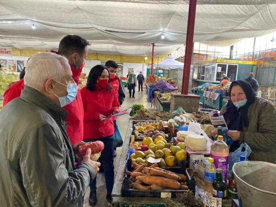Petre Daea, revoltat în Argeș: Mai bine îmi băgam degetele în priză, decât să închid piețele!