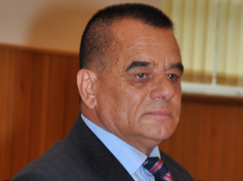 Cornel Ionică, la butoane în primărie