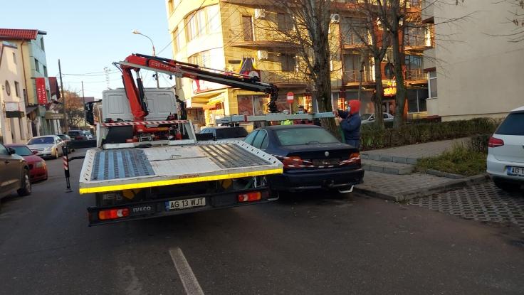 Mașini ridicate de Poliția Locală de pe domeniul public