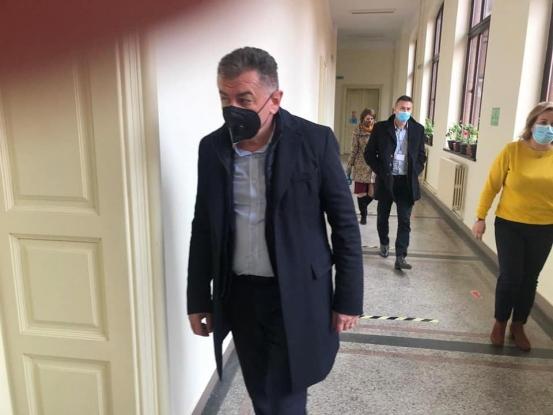 Primarul Cristian Gentea a verificat condițiile în care se desfășoară cursurile în școli și licee în Pitești!
