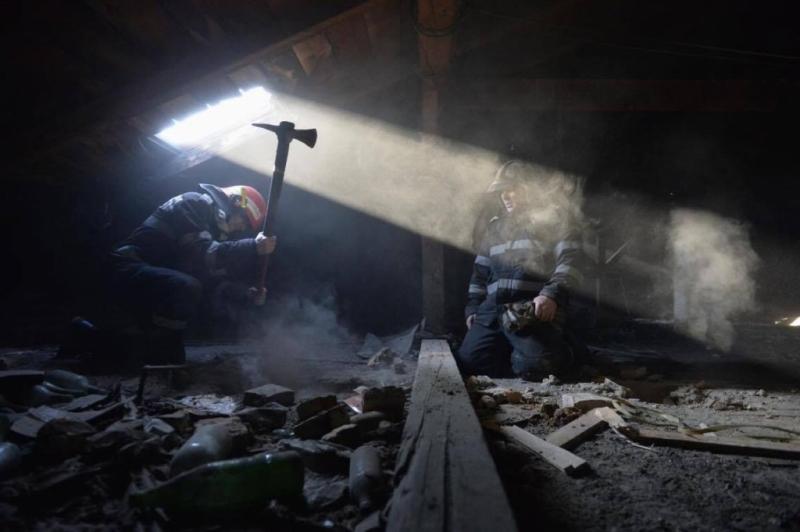Incendiu într-un apartament din Ştefăneşti