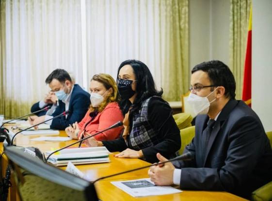 Șefii ANFP și INA, în dialog cu membrii Comisiei pentru Administrație Publică și Amenajarea Teritoriului din Camera Deputaților condusă de către deputatul de Argeș al PSD Simona Bucura Oprescu