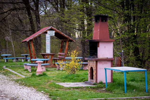 Pregătiri în zona de picnic din Mioveni