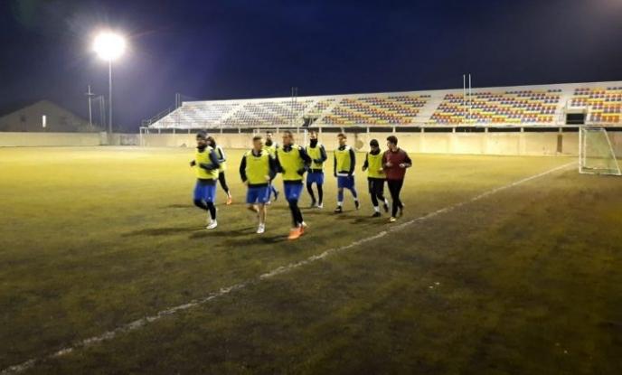 Echipa de fotbal a Clubului Real Bradu și-a reluat activitatea