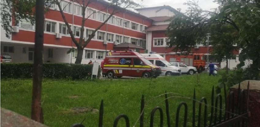 Alertă de incendiu la un spital în Argeş