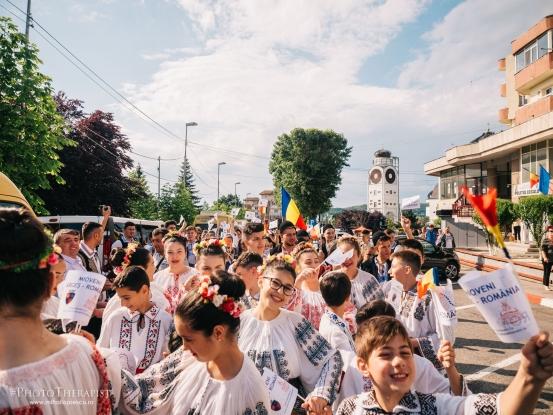 Ziua Universală a IEI, marcată în avans! Hai cu toții, cu mândrIE, să îmbrăcăm Mioveniul în IE!