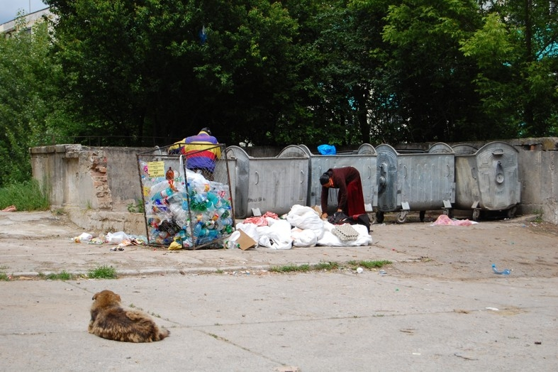 Piteştenii au aruncat peste 5 mii tone de gunoi