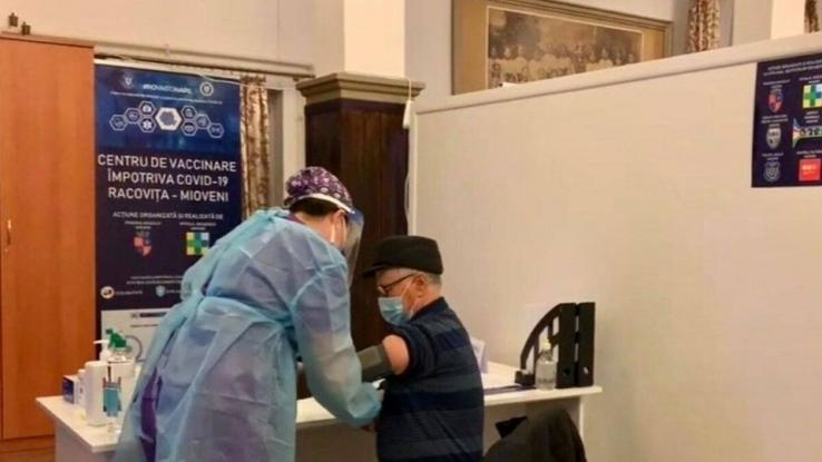 La Mioveni au fost imunizate aproape 25.000 de persoane