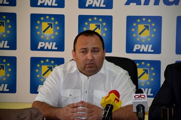 Sofianu îi provoacă pe contracandidaţi la dezbateri