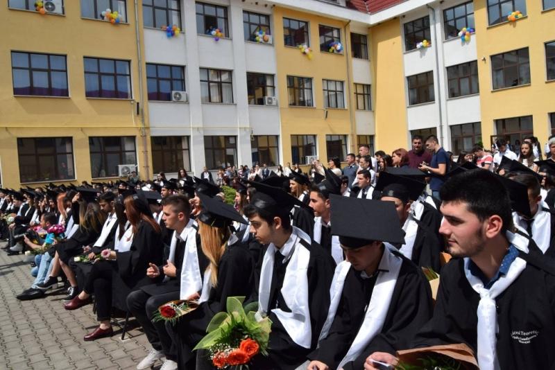 """Mioveni: Azi, dublu eveniment la """"Iulia Zamfirescu"""""""