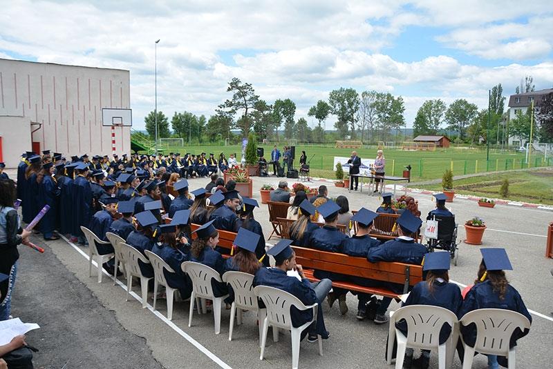 Mioveni: Festivitate de absolvire la liceul Tehnologic