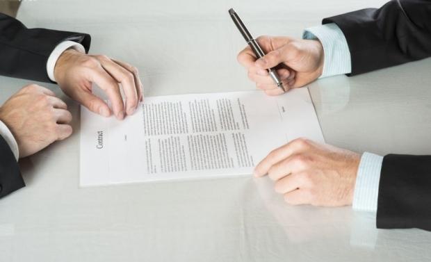 Când poate fi suspendat contractul de muncă?