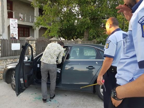 Candidatului PAM de la Leordeni i-a fost vandalizata masina in stil mafiot