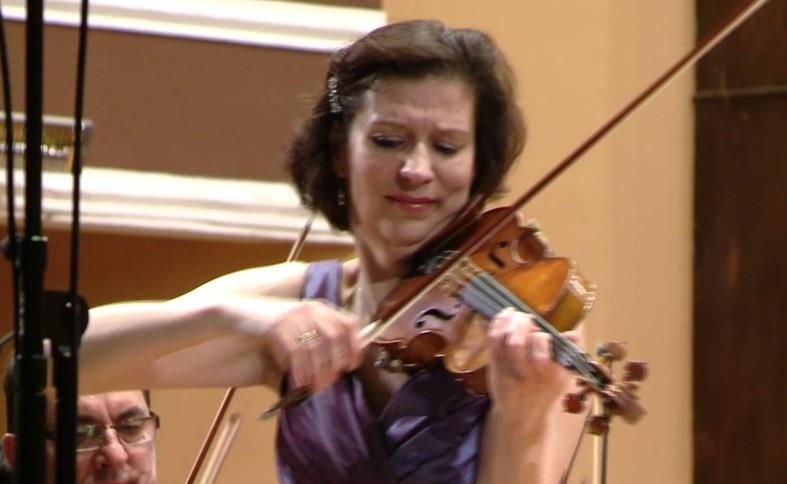 Violonista Kamilla Schatz, în premieră la Filarmonica Piteşti